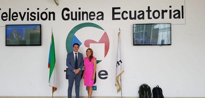 Los medios de comunicación ecuatoguineanos realizaron un importante seguimiento del proyecto, con la asistencia de cámaras de televisión tanto a la presentación con el Ministro de Educación como a alguna de las jornadas de formación impartidas a los profesores.